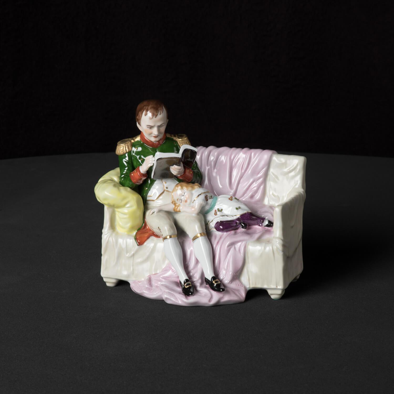 """Porzellanfigur """"Napoleon und sein Sohn"""""""