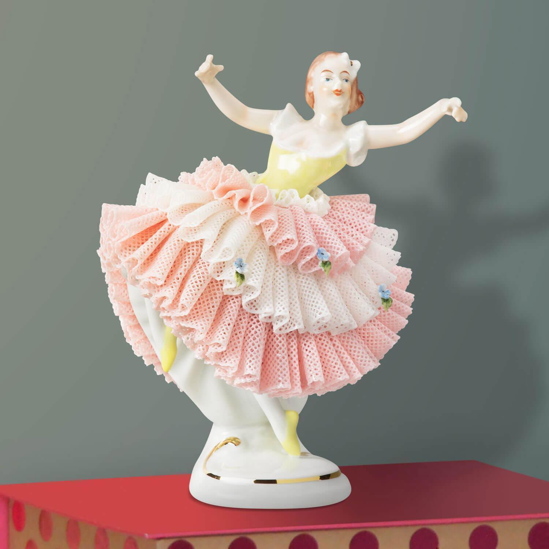 """Porzellanfigur """"Tänzerin im Spitzenkleid"""" Gelb"""