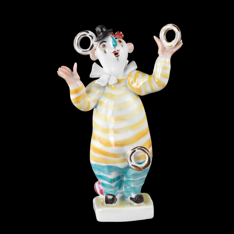 kleiner Clown mit Ringen