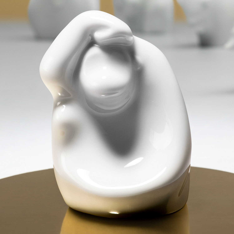 Porzellanfigur Affe aus glasiertem Porzellan