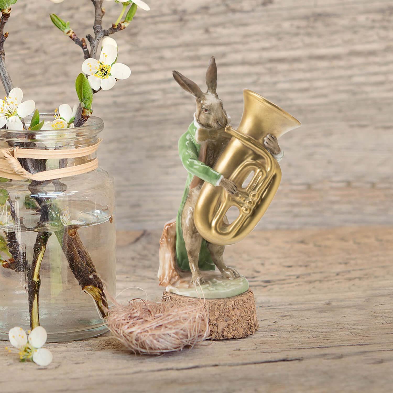 """Porzellanfigur """"Hase mit Tuba"""" aus glasiertem Porzellan, farbig dekoriert"""