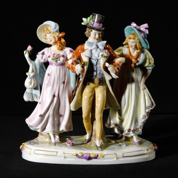 """Porzellanfigur """"Fröhliches Biedermeier"""" aus glasiertem Porzellan, farbig dekoriert"""