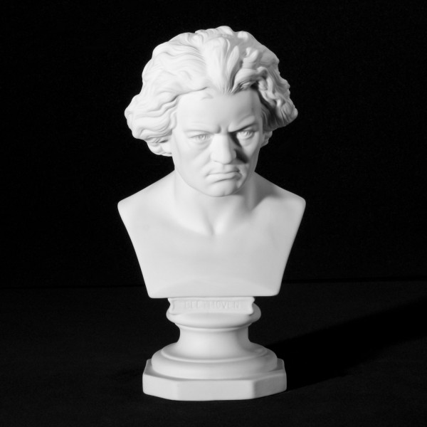 "Büste ""Ludwig van Beethoven"" aus Bisquitporzellan"