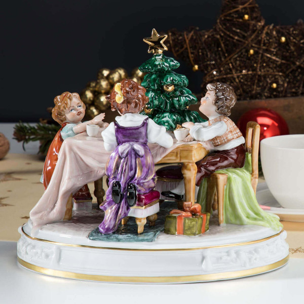 """Porzellan-Figurengruppe """"Kinder am Tisch"""""""