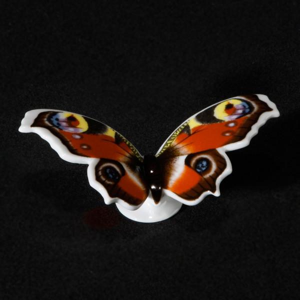 """Porzellanfigur """"Schmetterling Tagpfauenauge"""" aus glasiertem Porzellan, farbig dekoriert"""