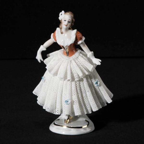"""Porzellanfigur """"Spitzenfigur 12 cm"""" aus glasiertem Porzellan, farbig dekoriert"""