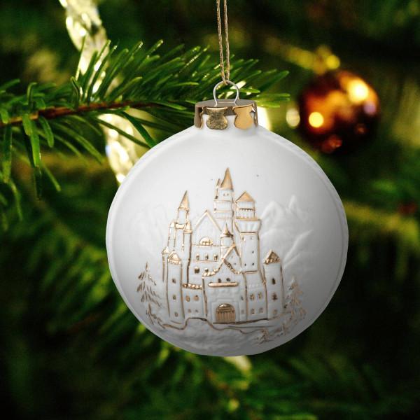 """Weihnachtskugel """"Schloss Neuschwanstein"""" - Christbaumkugel aus Bisquitporzellan"""