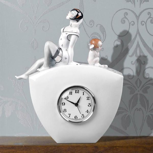 """Porzellanuhr """"Eros"""" mit Uhrwerk aus glasiertem Porzellan von Kati Zorn"""