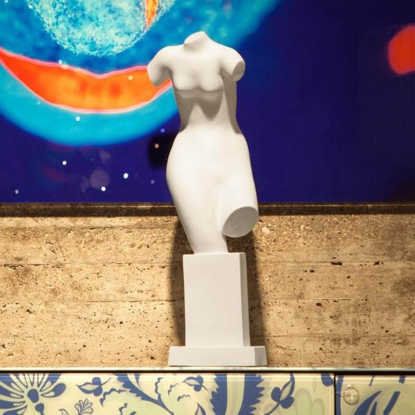 """Porzellanfigur """"Liebreiz"""" (weiblicher Torso) Bisquitporzellan. Undekoriert"""