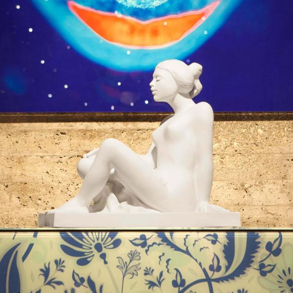 """Porzellanfigur """"Verträumtheit"""" - Akt von Walter A. Kirchner aus feinem Bisquitporzellan"""