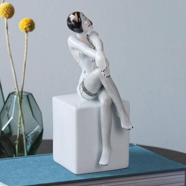 """Buchstütze """"Frau - Eros"""" von Kati Zorn aus glasiertem Porzellan"""
