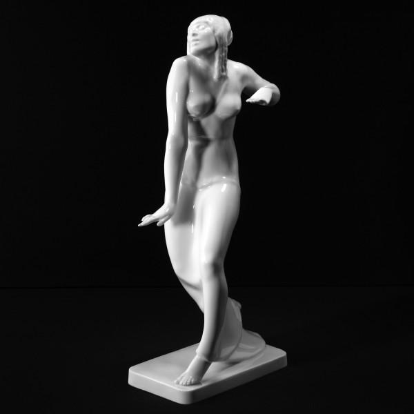 """Porzellanfigur """"Salome"""" aus glasiertem Porzellan. Undekoriert"""