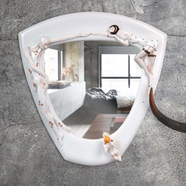 """Spiegel """"Eros"""" mit glasiertem Porzellanrahmen von Kati Zorn"""