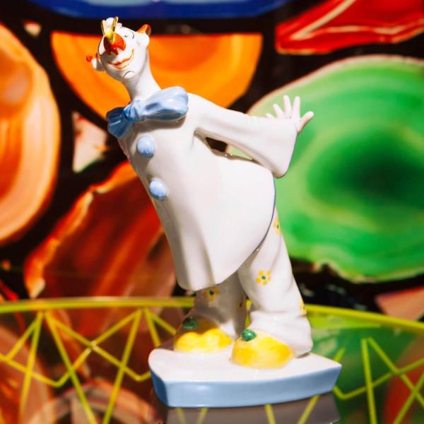 """Porzellanfigur """"Clown mit Schmetterling"""" von Kati Zorn aus glasiertem Porzellan"""