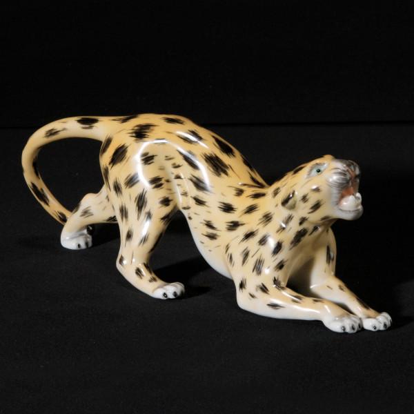 """Porzellanfigur """"Gepard"""" aus glasiertem Porzellan, farbig dekoriert"""
