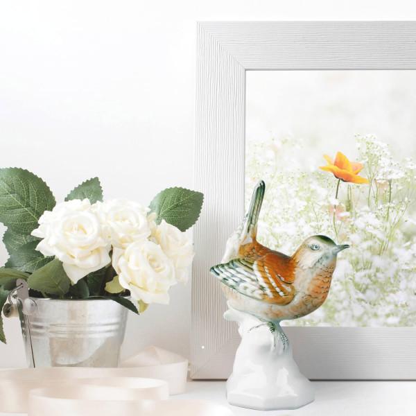 """Porzellanfigur """"Zaunkönig"""" aus glasiertem Porzellan, farbig dekoriert"""