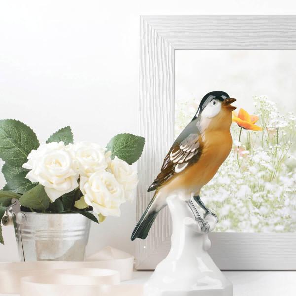 """Porzellanfigur """"Buchfink"""" aus glasiertem Porzellan, farbig dekoriert"""