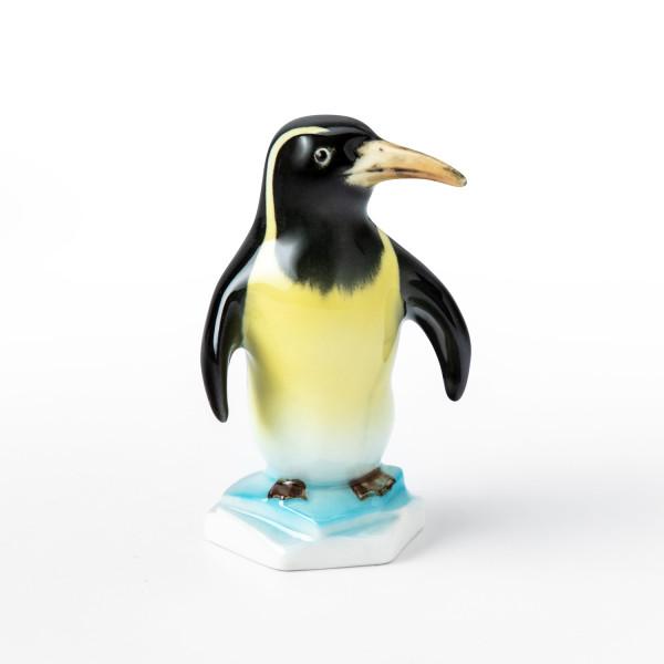 """Porzellanfigur """"Pinguin"""" von Kati Zorn aus glasiertem Porzellan"""